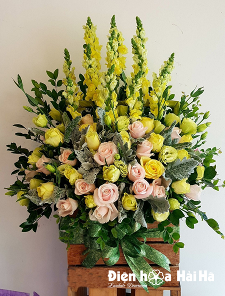 Giỏ hoa chúc mừng ngày 20/11 hoa phi yến vàng