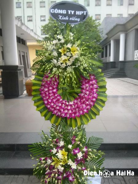 Đặt vòng hoa chia buồn tại Hà Nội hoa lan tím