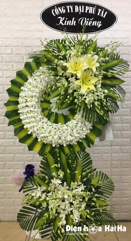 Đặt vòng hoa phúng điếu hoa lan trắng