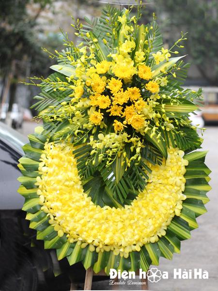 Vòng hoa đám tang hoa cúc vàng lan vàng