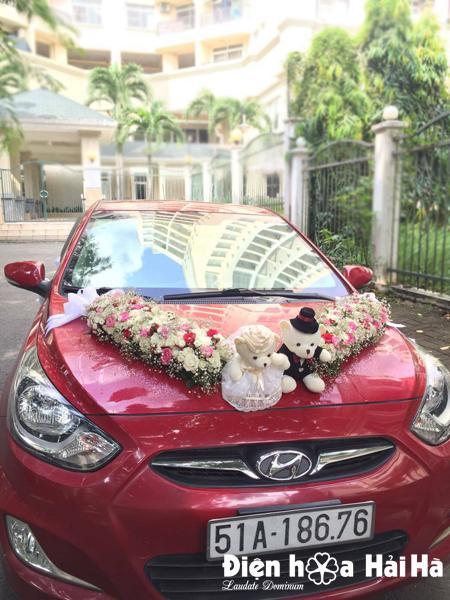 Mẫu hoa xe cưới 2018 hình chữ V