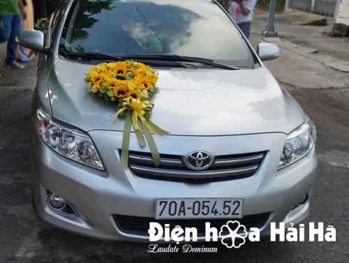 Trang trí xe hoa cưới hoa hướng dương