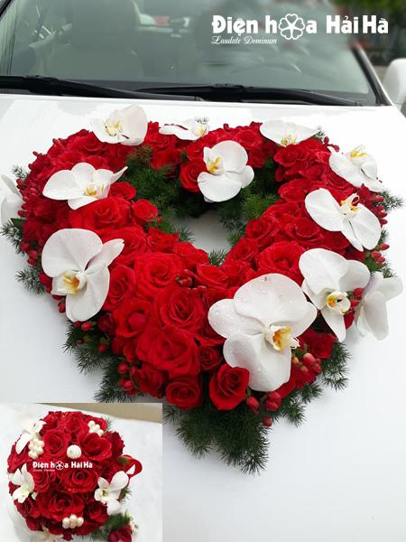 Trang trí xe hoa cưới hồng đỏ hồ điệp trắng