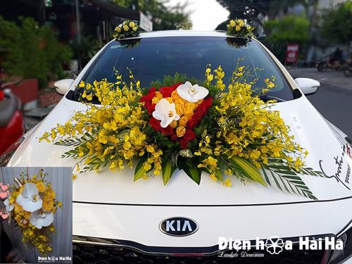 Trang trí xe hoa cưới lan vũ nữ hồ điệp trắng