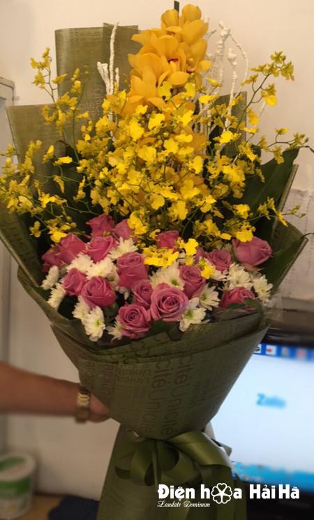Bó hoa tặng ngày 8/3 hoa hồng tím