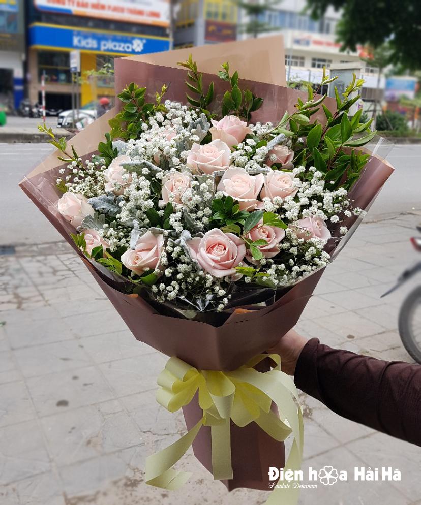 Bó hoa tặng ngày 8/3 nhẹ nhàng