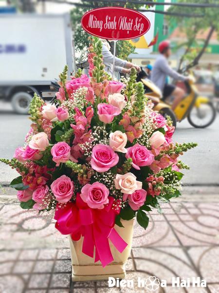Giỏ hoa tặng ngày Quốc tế Phụ nữ