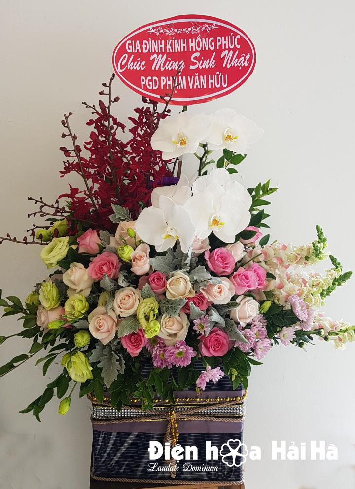 Giỏ hoa tặng ngày 8/3 tặng sếp