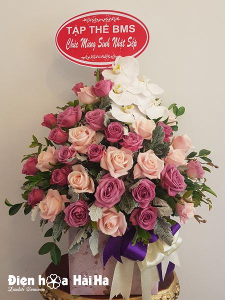 Giỏ hoa tặng ngày 8/3 phái nữ