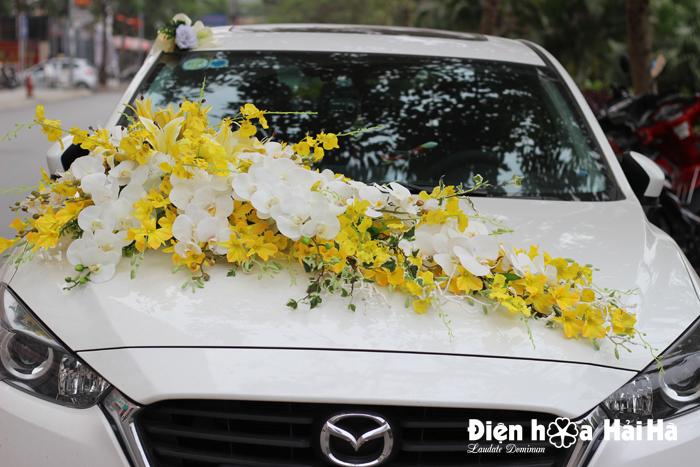 Hoa lụa trang trí xe cưới lan vũ nữ và hồ điệp trắng