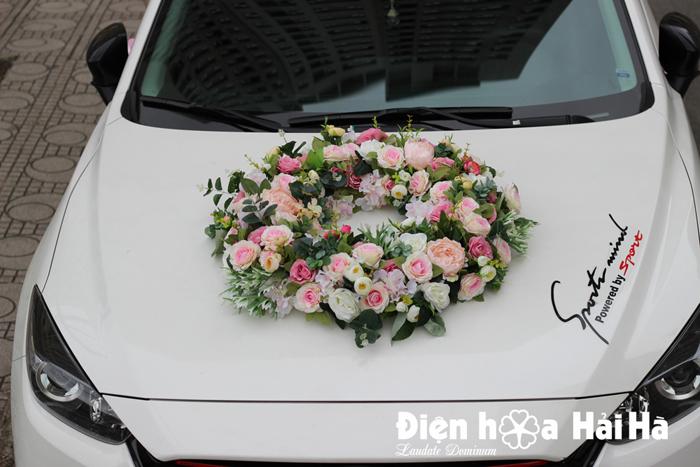 Bán hoa giả kết xe cưới vòng tròn hoa vải cao cấp