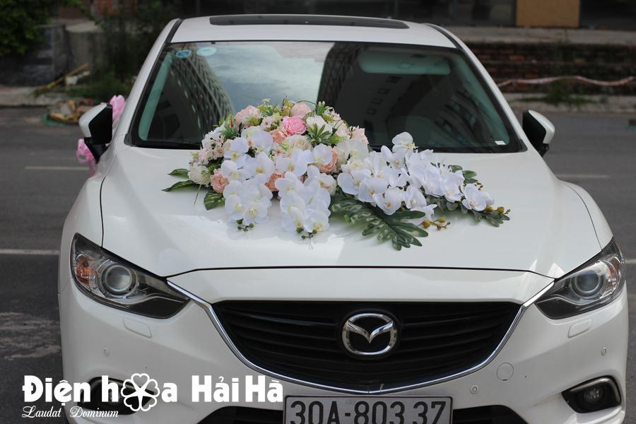 Bộ hoa xe cưới bằng lụa mẫu đơn hồ điệp trắng