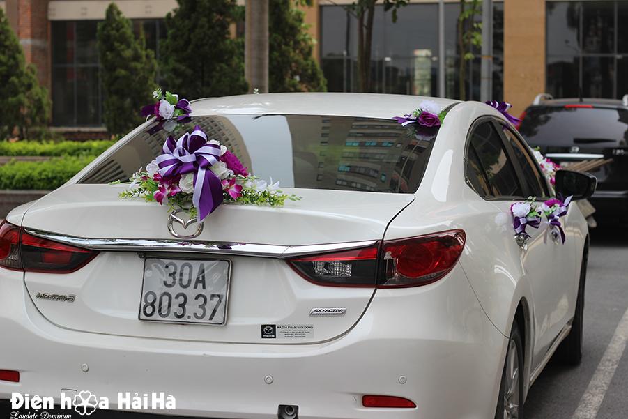 ban hoa gia trang tri xe cuoi hoa lan