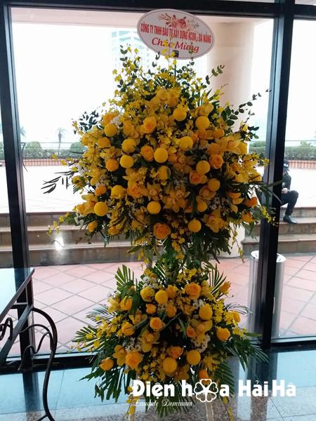 Lẵng hoa chúc mừng thành lập công ty hoa mầu vàng