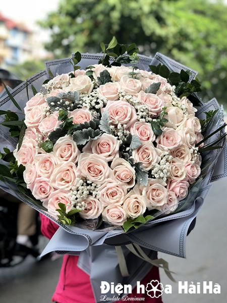 Bó hoa hồng kem tặng bạn gái 20-10
