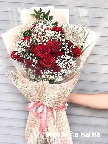 Bó hoa hồng đỏ kèm baby 20-10