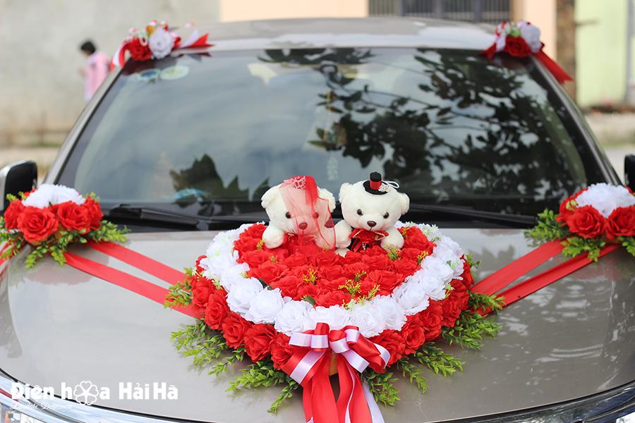 Bộ hoa lụa kết xe cưới hồng đỏ trắng kèm gấu giá 1300k