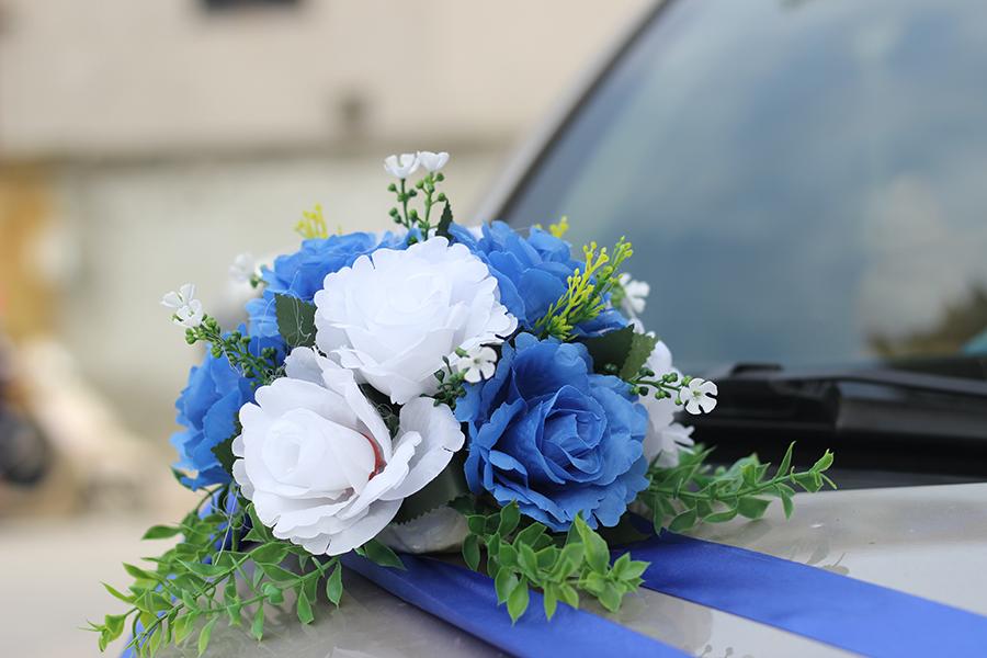 bo hoa gia trang tri xe cuoi hoa hong xanh