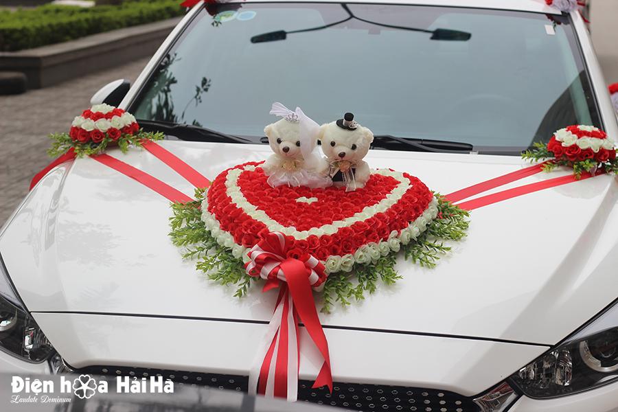 Bán bộ hoa lụa trang trí xe cưới hồng đỏ trắng kèm gấu
