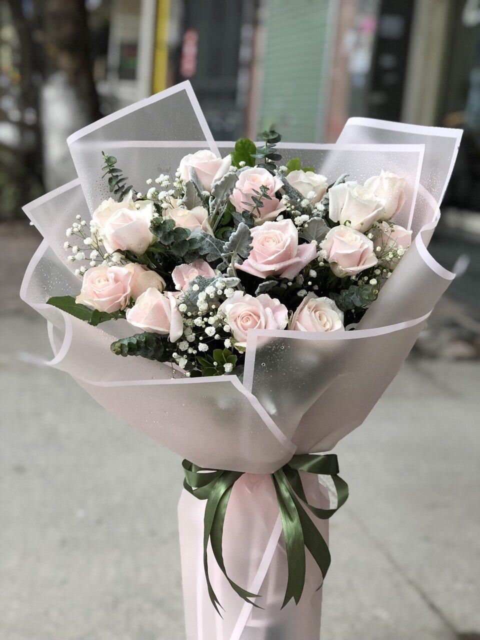 Bó hoa hồng kem nhẹ nhàng tặng chúc mừng