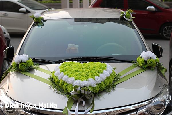 Bộ hoa xe cưới bằng lụa hồng xanh lá
