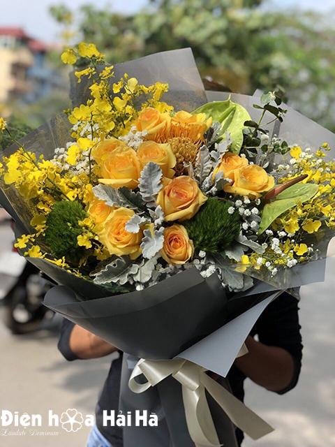 Bó hoa chúc mừng ngày 8/3 hoa mầu vàng