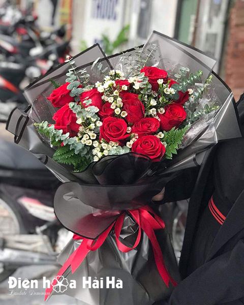 Bó hồng đỏ nhập thanh liễu 12 bông