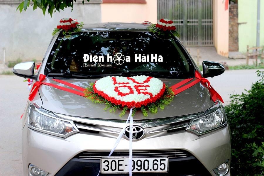 Bán hoa lụa cho xe cưới hình chữ LOVE
