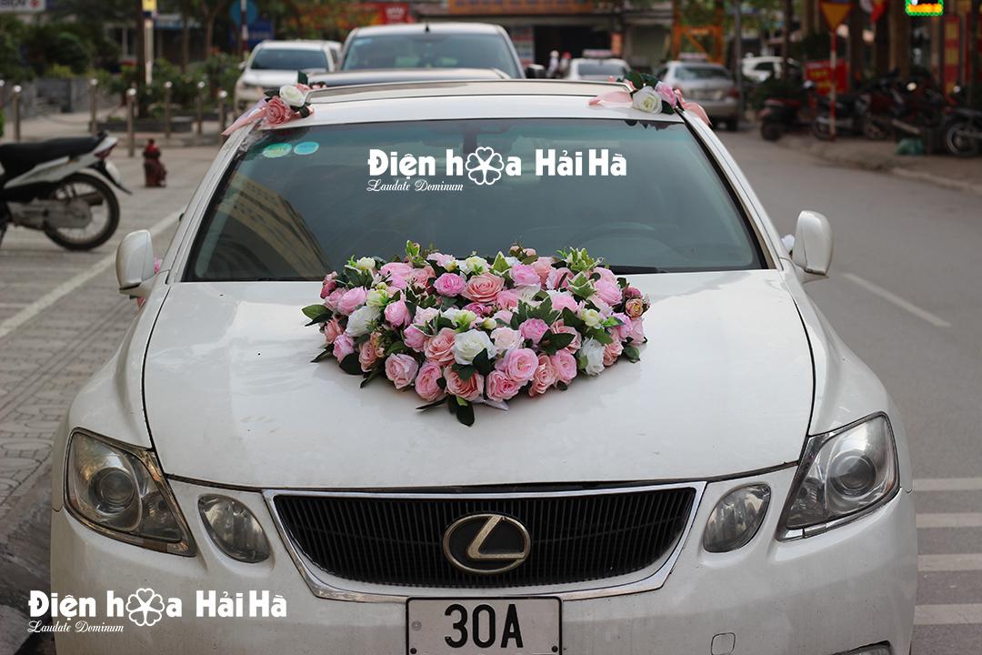 Bộ hoa lụa gắn xe ô tô hoa lụa cao cấp hình trái tim