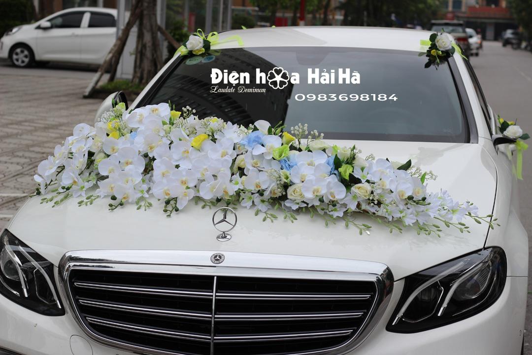 Bộ hoa giả gắn trên xe ô tô hoa lan hồ điệp bề thế