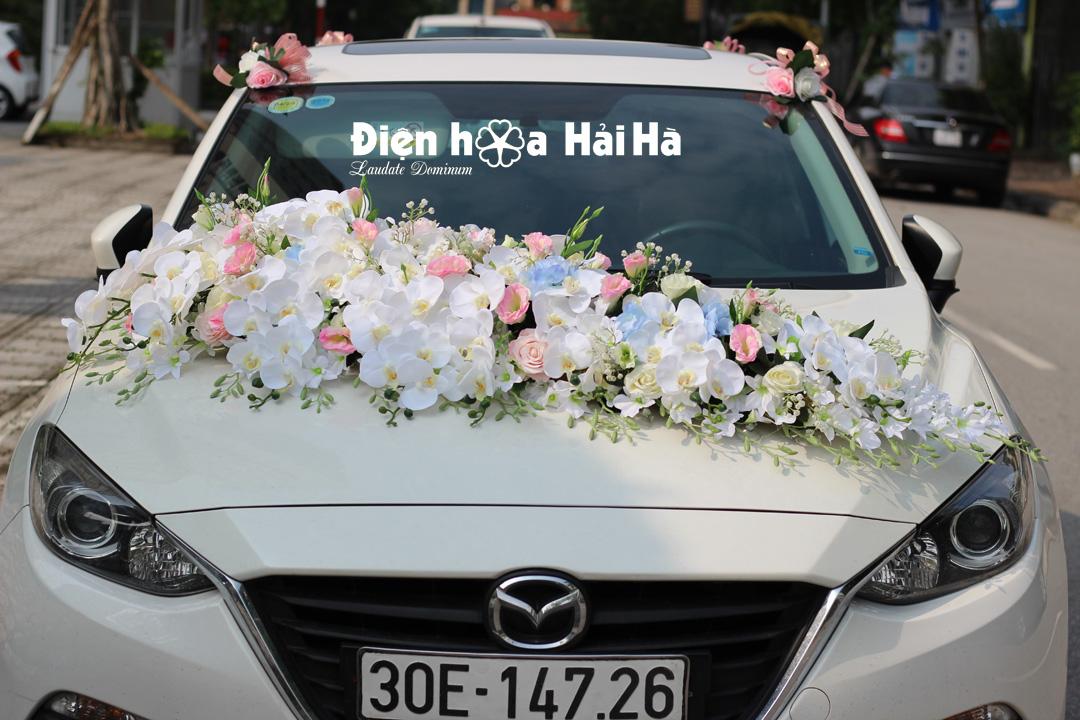 Hoa lụa trang trí xe ô tô cao cấp, sang trọng
