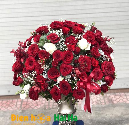 Điện hoa ngày 20/10 tại Hà Nội – Bình hoa hồng VIP