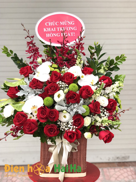 Giỏ hoa hồng đỏ tặng Ngày báo chí CMVN