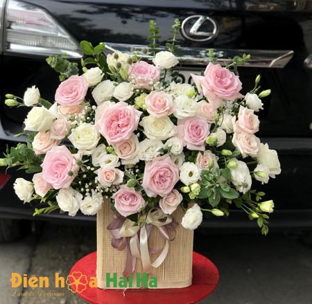 Giỏ hoa tặng vợ ngày 20/10 nhẹ nhàng hoa hồng thơm Ohara