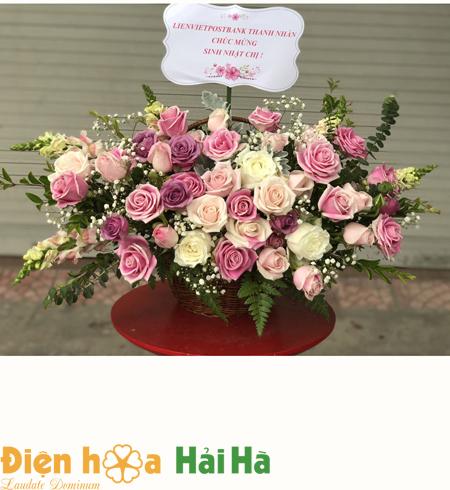 Giỏ hoa tặng 20 tháng 10 hoa hồng sen và các hoa khác