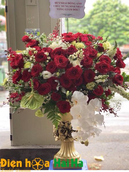 Bình hoa đẹp đặt hoa 20 10 hà nội