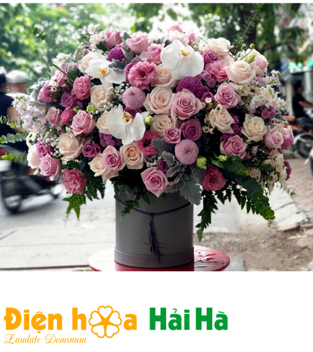 Hộp hoa hồng mầu sắc tặng Ngày báo chí VN