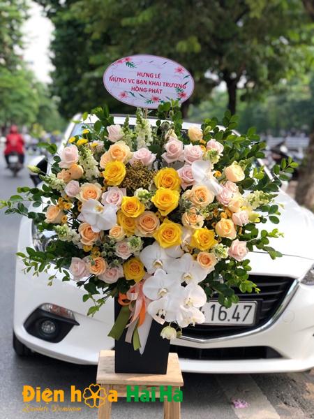 Giỏ hoa hồng sang trọng tặng Ngày báo chí Việt Nam