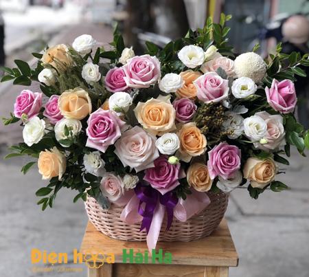 Giỏ hoa tặng ngày 20 tháng 10 dễ thương