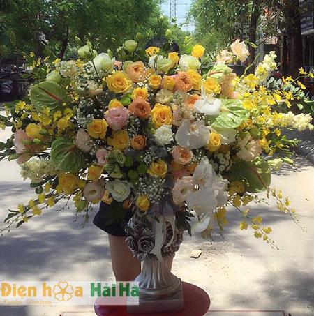 Bình hoa sắc đẹp mê hồn hoa tặng 20 tháng 10