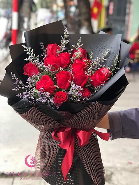 Bó hoa hồng đỏ tặng ngày Valentine – Tình yêu của anh kéo dài theo năm tháng