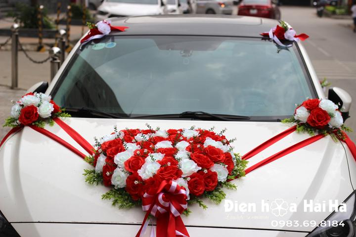 Bộ hoa giả trang trí xe cưới bông to vải mềm