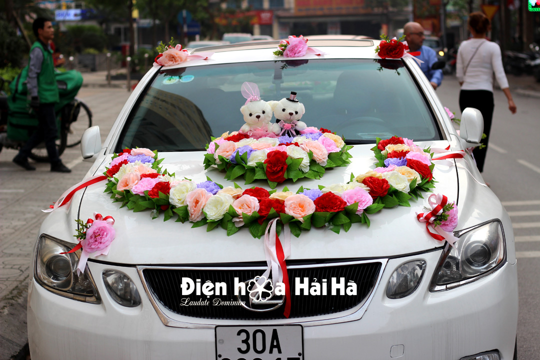 Bộ hoa lụa trang trí xe cưới 2021- Hình vòng cung