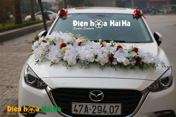 Bộ hoa giả trang trí xe cưới siêu đẹp 2020