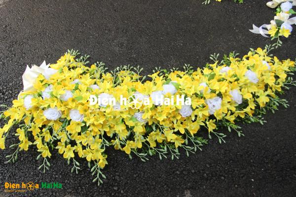 Bộ hoa giả xe cưới hoa lan vàng