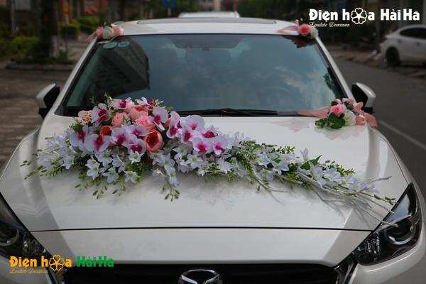 Bộ hoa xe cưới bằng nhựa hồ điệp nhụy tím
