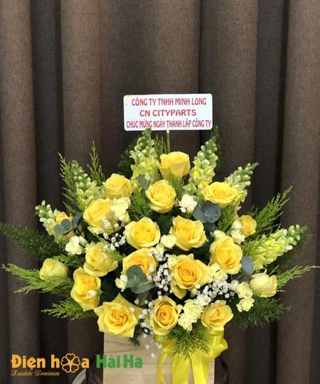 Giỏ hoa hồng vàng tặng ngày Báo chí VN