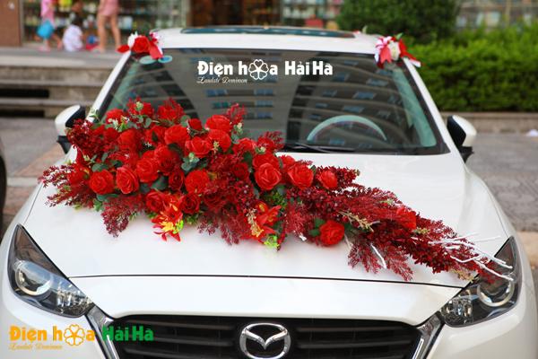 Hoa lụa kết xe cưới tông mầu đỏ 2020!