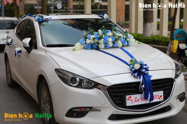 hoa-xe-cuoi-bang-lua-mau-xanh-duong-just-married-7