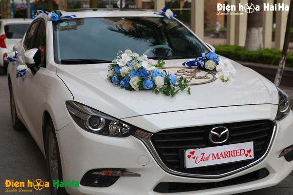 hoa-xe-cuoi-bang-lua-mau-xanh-duong-just-married-